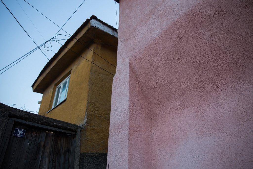 Houses, Veles